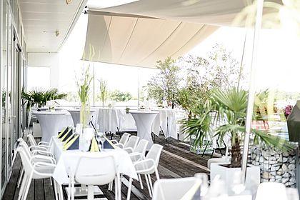 Livios Café, Bar und Restaurant - Mittagsmenü auf der Sonnen-Terrasse essen