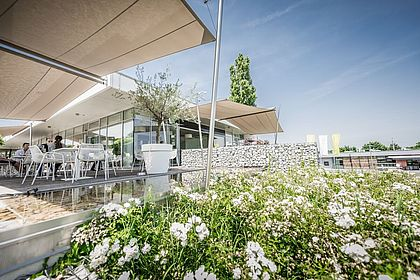 Livios Café, Bar und Restaurant - genießen Sie Ihr Frühstück in der wundervollen Umgebung