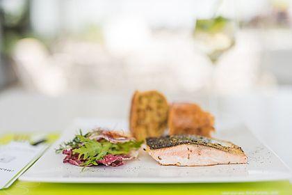 Livios Café, Bar und Restaurant - zwischen Bratislava und Wien mit Blick auf die wundervolle Umgebung nahe der Donau mit Fischspezialitäten