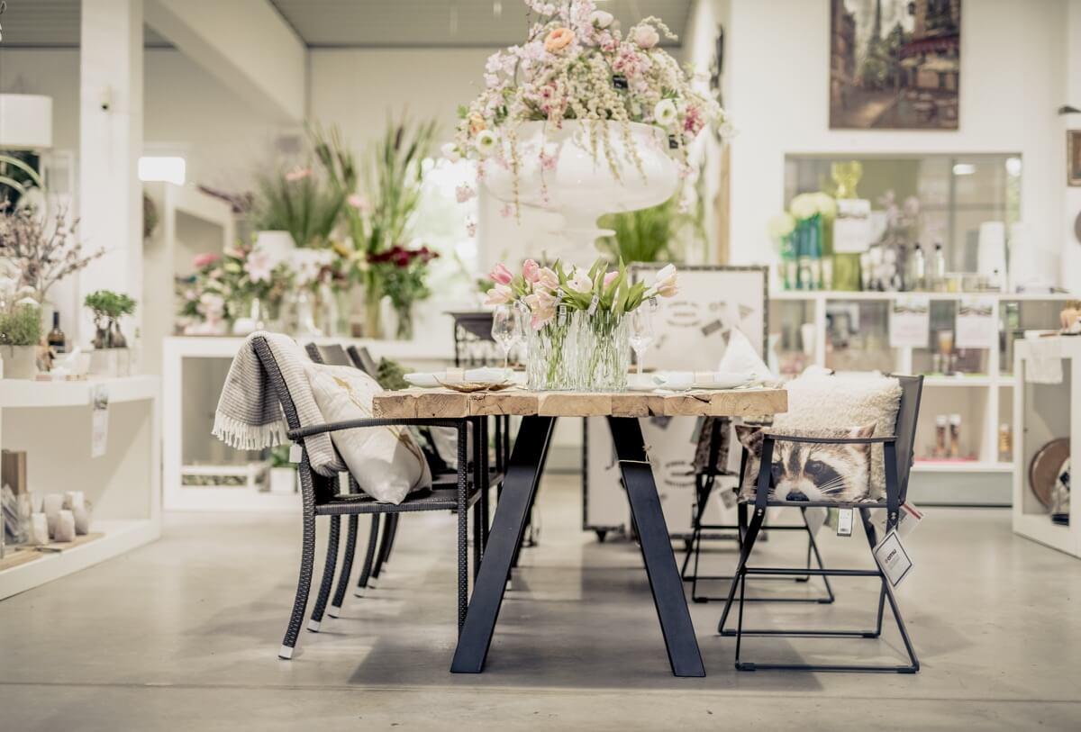 Livios. Gartencenter. Café. Bar. Restaurant. - Sie finden auch diverse, hochwertige Möbel bei Livios. Für ein Wohlfühlzuhause.